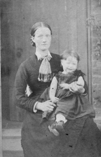 Hannah Jones nee Hotchkiss with daughter Emily