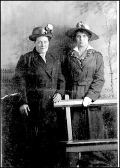 Rose Russell b18Nov1873 & Eadie b1897