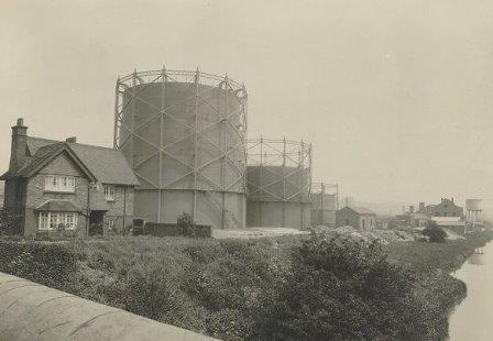 Gas works_bk2251_2