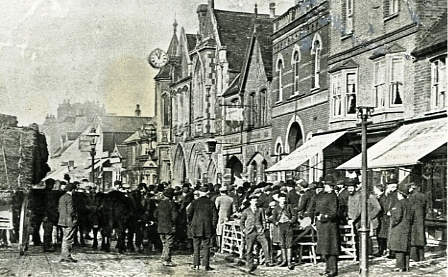 Market in front of Town Hall_bk11945_254